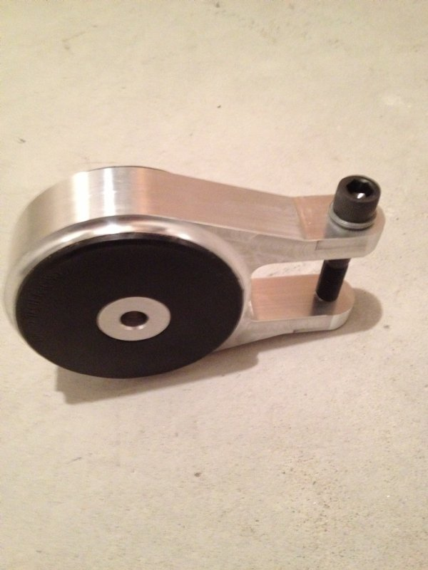 Ford focus upper tranny lower mount